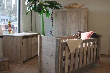 Steigerhout kast babykamer: steigerhouten dressoirs of lage kasten