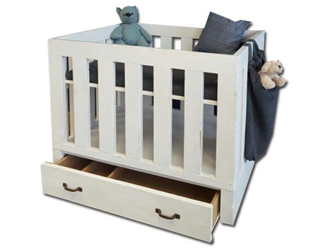steigerhouten box baby